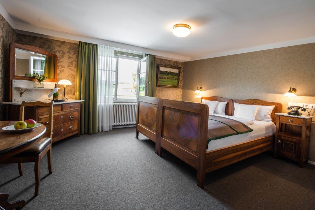 Hochzeit-Zimmer im Hotel Hofgut Farny